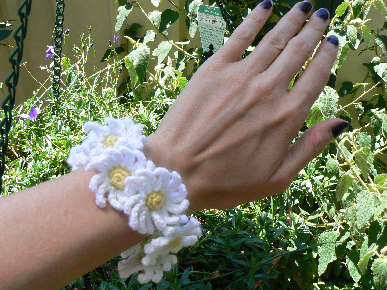 Daisy chain bracelet | Jazmo Crochet